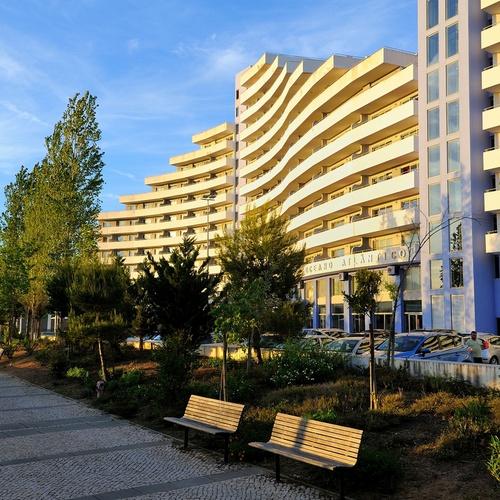 Facade Oceano Atlântico Apartments